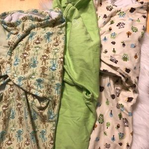 3 Swaddle Blankets M/L